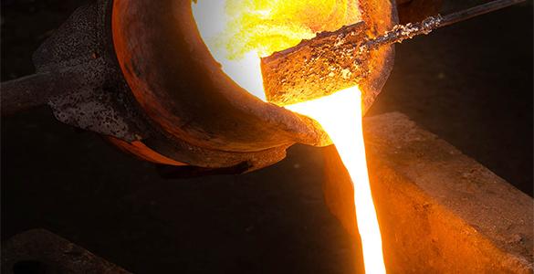 支持钢铁业加快兼并重组